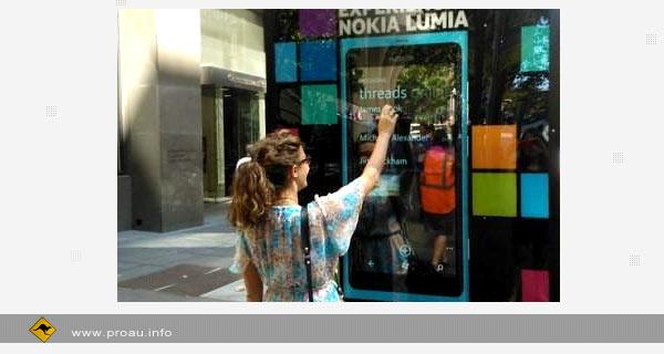 Nokia установила гигантские Lumia 800 в Австралии
